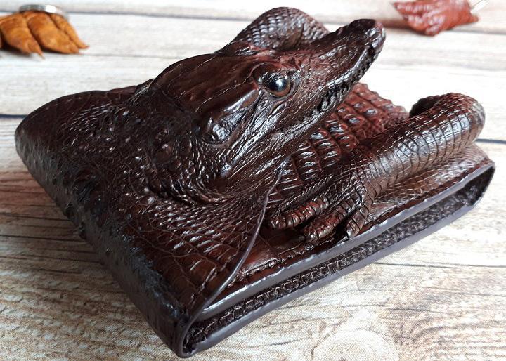 Ví da cá sấu nguyên con