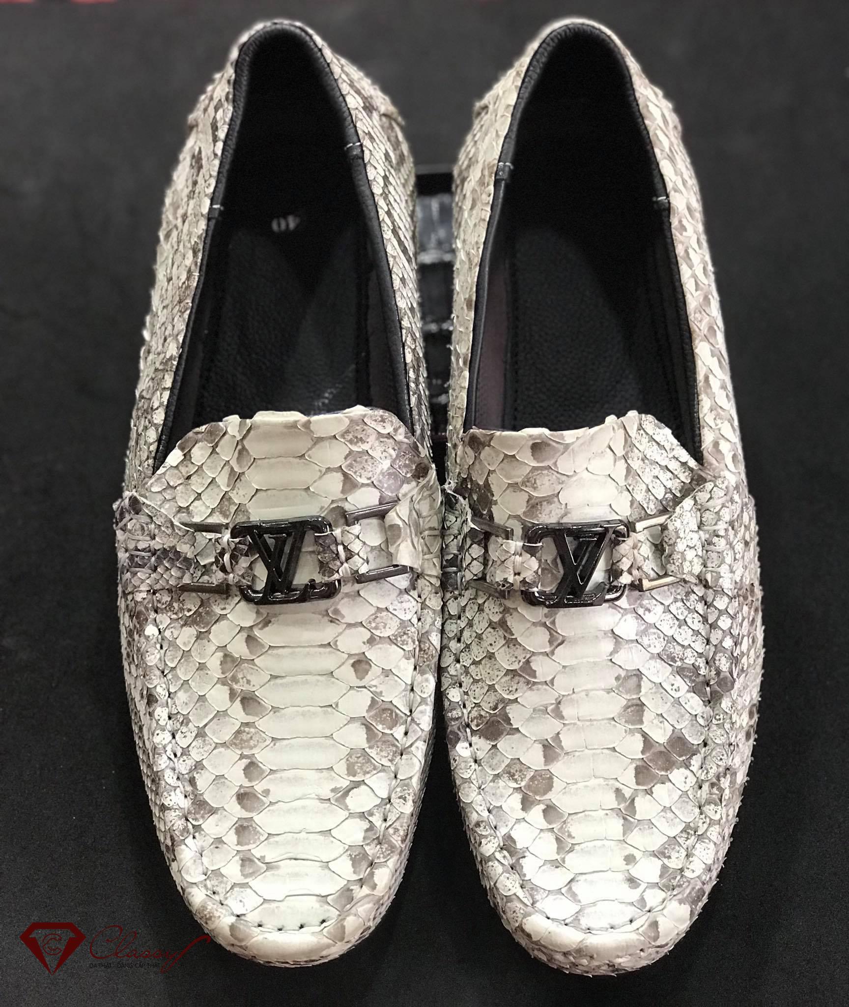 Những điều cần biết về giày lười da trăn
